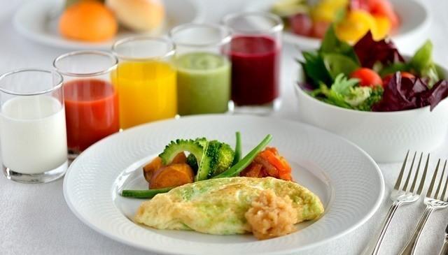沖縄 高級ホテル ザ・テラスクラブアットブセナ ホワイトオムレツ 朝食