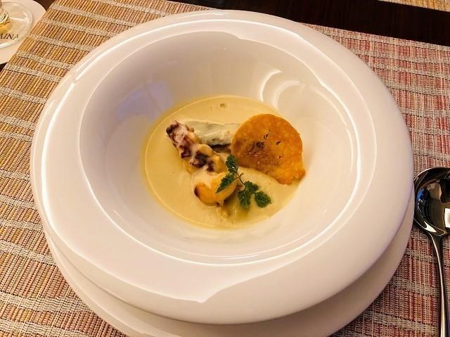 アラマハイナ コンドホテル 夕食 カリフラワーのスープ
