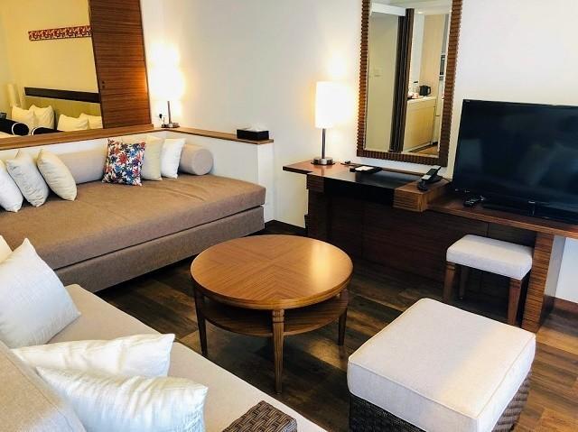 アラマハイナ コンドホテル スーペリアツイン リビングスペース