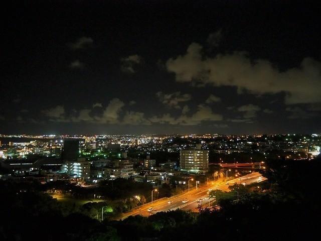 沖縄 夜ドライブ 浦添大公園 展望台