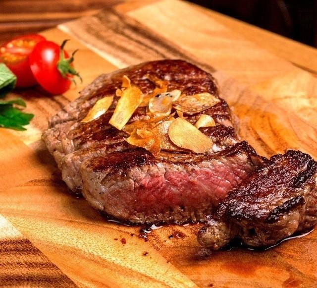 沖縄 2泊3日 モデルコース 肉バル&ダイニング ヤンバルミート 石垣牛のリブロース