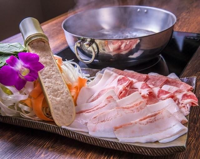 沖縄 しまぶた屋 沖縄とんかつ食堂 出汁にこだわったしゃぶしゃぶ