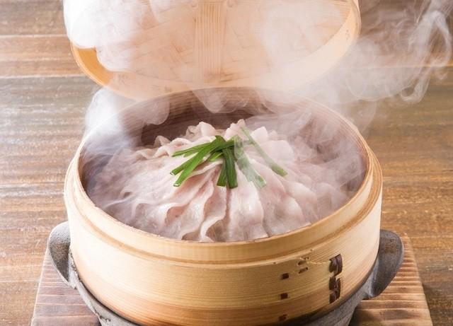 沖縄 しまぶた屋 農園炉端 やんばる島豚あぐーバラ肉の瞬間泡盛蒸し