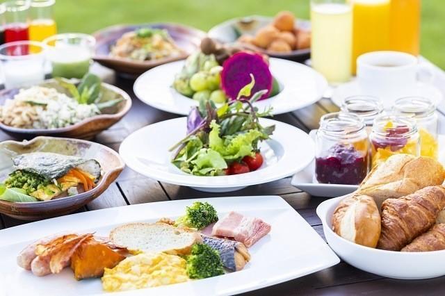 オクマプライベートビーチ&リゾート 彩り豊か 朝食バイキング