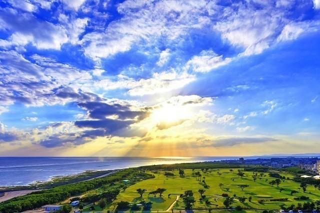 ANAインターコンチネンタル石垣リゾート 広大な芝生広がるゴルフコース