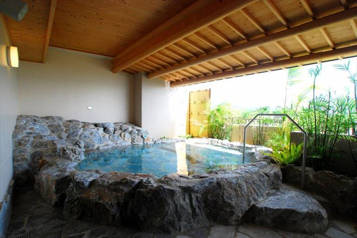 グランヴィリオリゾート石垣島 露天風呂