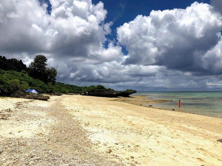 タバガービーチ 岩場