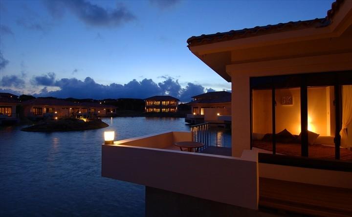 リゾナーレ小浜島 ラグーンと客室