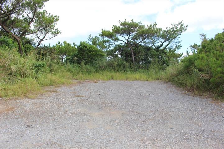 ジュゴンの見える丘 駐車スペース