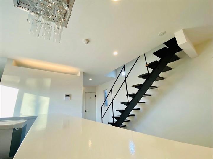 モトブテラス 階段