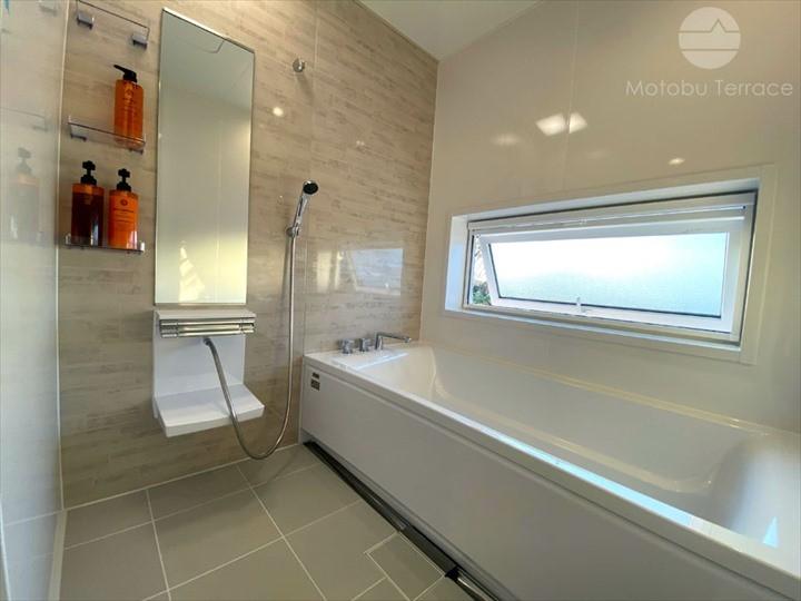 モトブテラス バスルーム 浴室