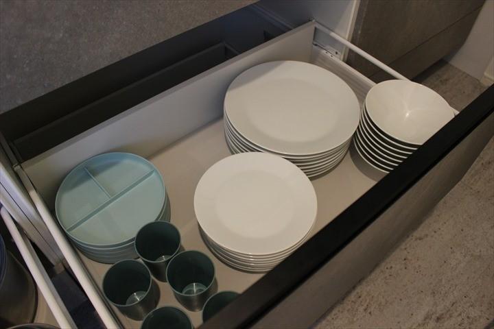 モトブテラス キッチン 食器