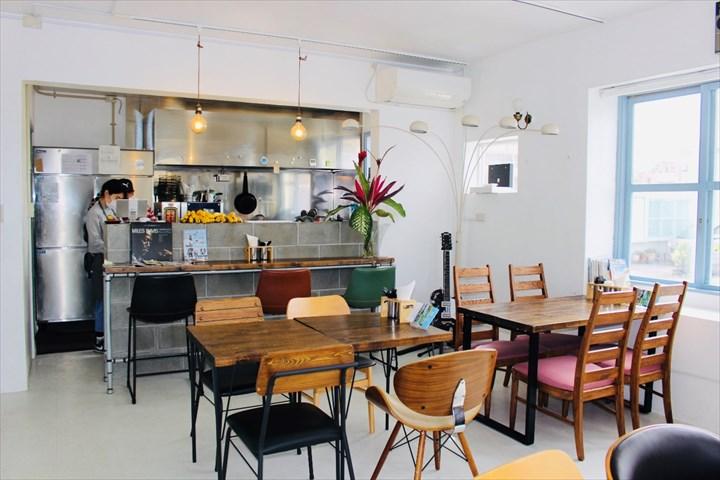港川外人住宅 UFO Burger&Sandwich CAFÉ 店内
