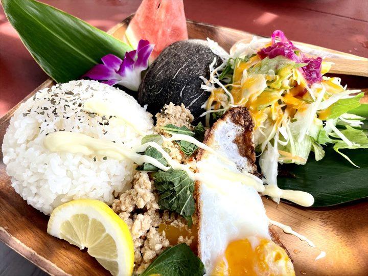 亜熱帯茶屋 料理 ヤンバルハーブの鶏肉ガパオライス