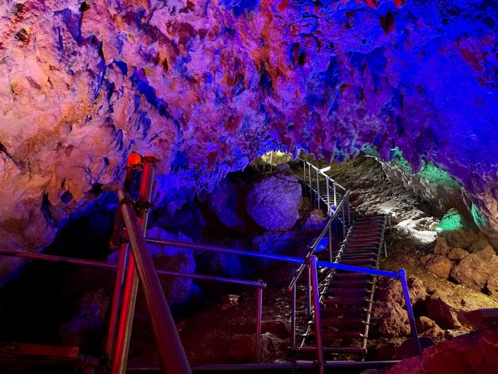 cave-okinawa ライトアップ